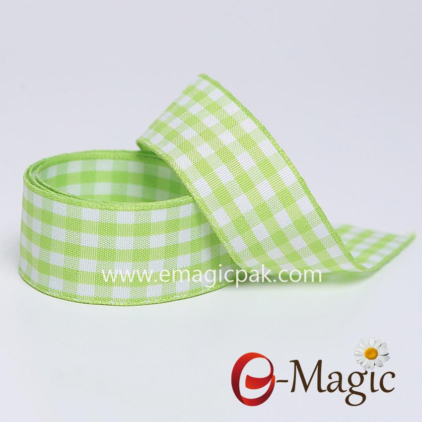 PR-025     Christmas gift package plaid ribbon