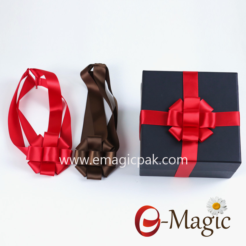 Packing Design-019   Pre-tied red gift box ribbon bows with Elast backs